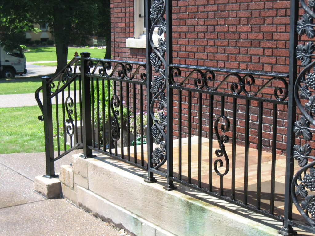 Custom aluminum railings old dutchman 39 s wrought iron inc for Decorative railings